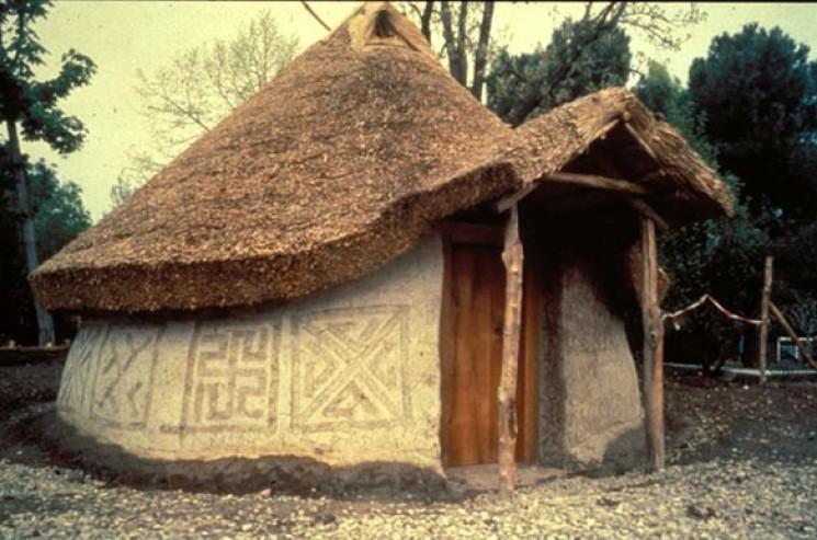 Annaritamaestra visita sezione etrusca for Immagini di case antiche